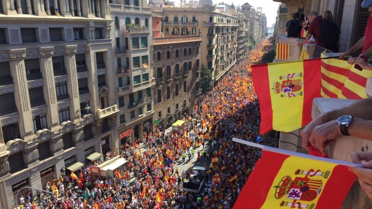 catalogne-barcelone-manifestation-unite-espagne